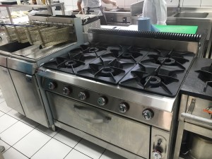 Six burners oven
